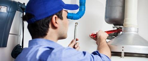 CV monteur reparatie aan ketel